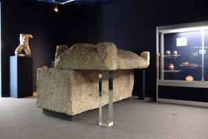 Musée de fontenay le comte tombeau
